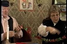 Jultraditioner ur julkalendern del 3 1993 - Vimeo thumbnail